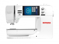 BERNINA 700 (optional mit Stickmodul)